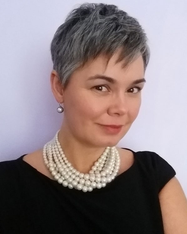 pretty woman pearls gray pixie