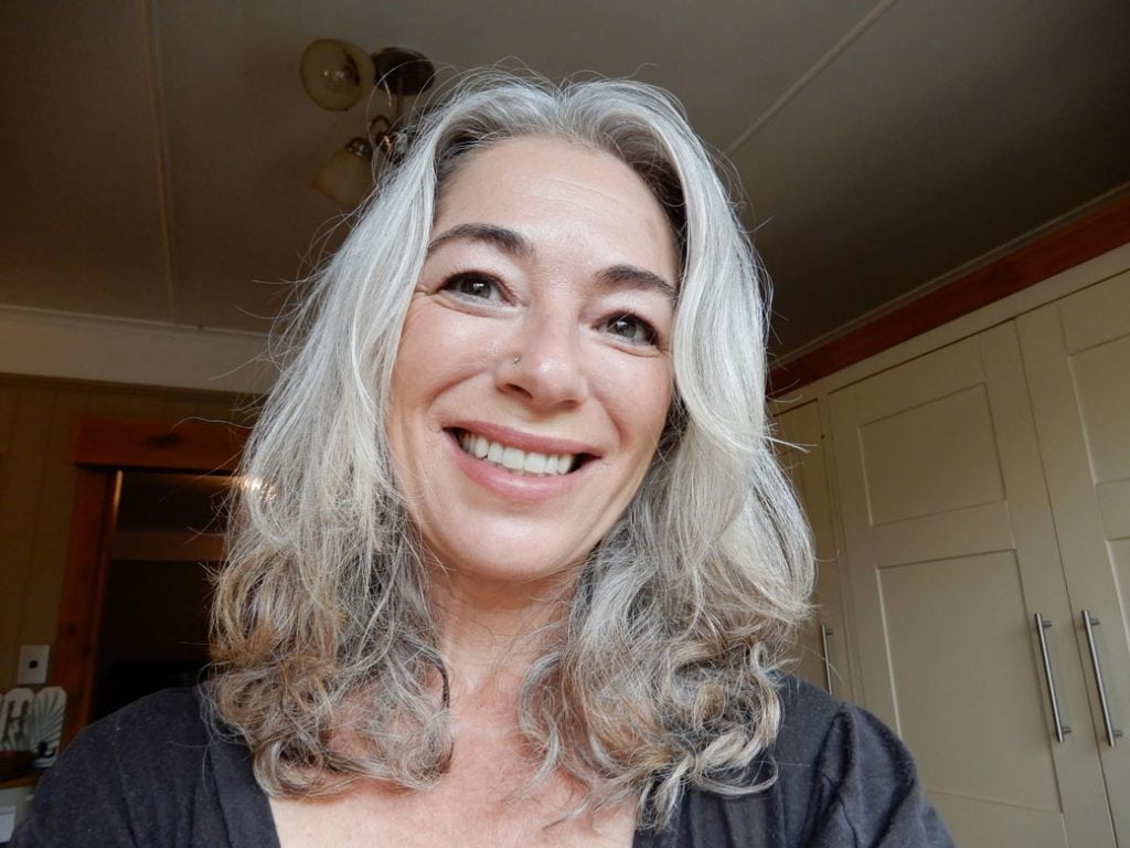 image of woman how to go gray from brunette hair