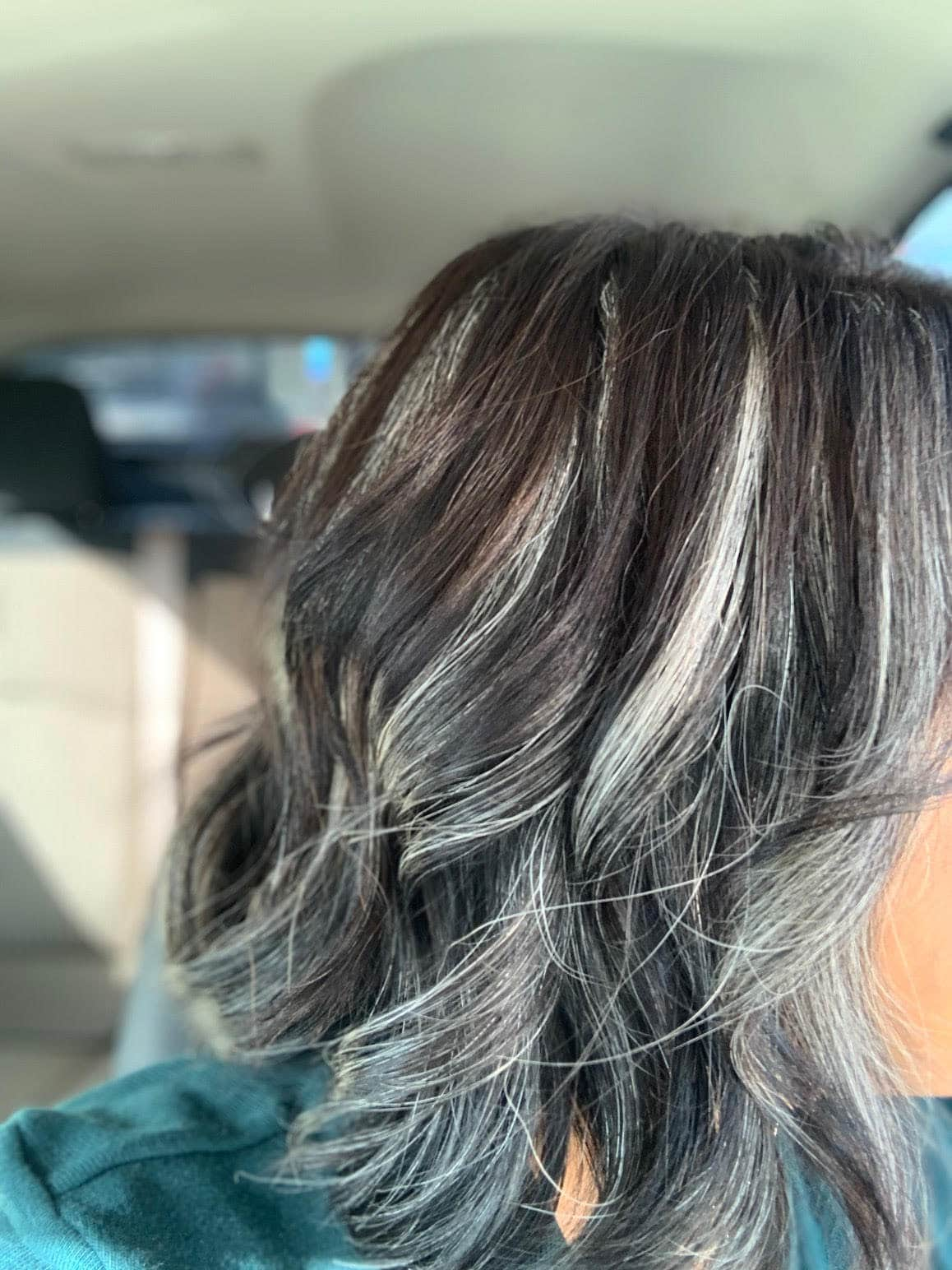 After months of using the dye strip technique, Diana's gray hair is taking over